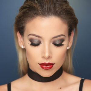 eye makeup for bold red lips
